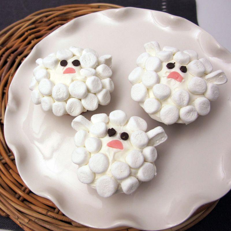 Baby lamb cupcake design