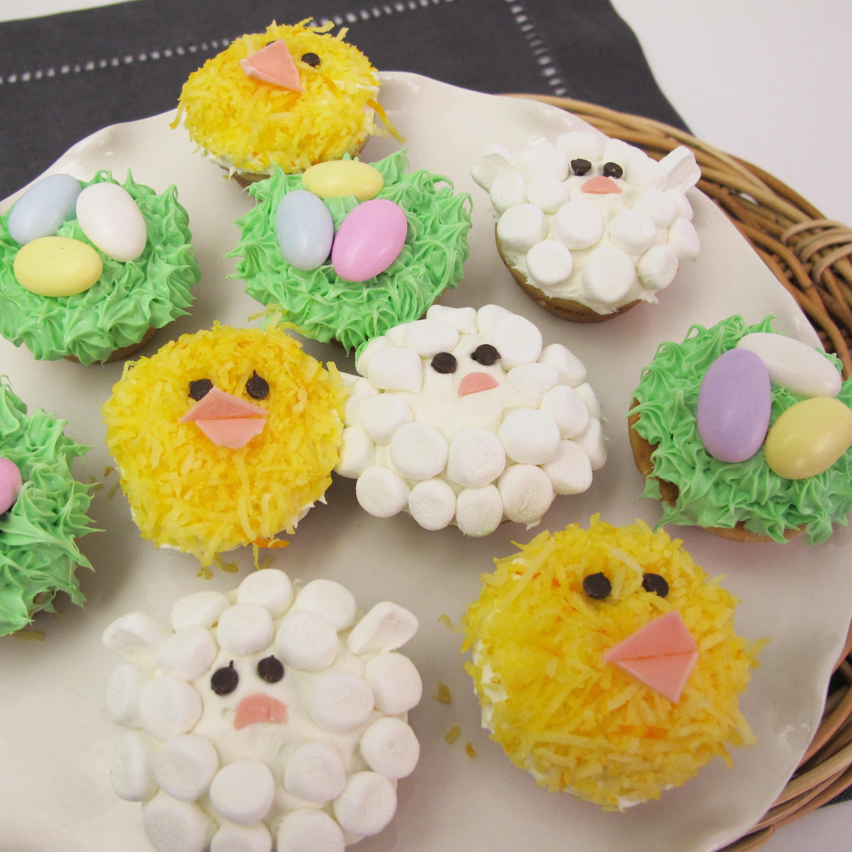 Spring cupcakes decorating ideas best home design 2018 for New home cupcake decorations